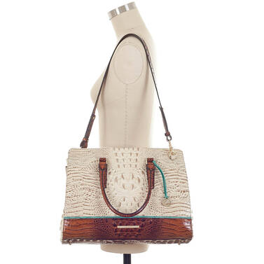 Finley Carryall Vanilla Macaw On Mannequin