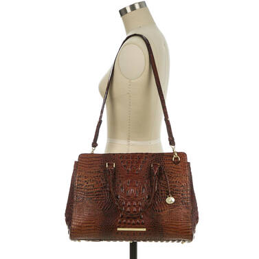 Finley Carryall Praline Ombre Melbourne On Mannequin