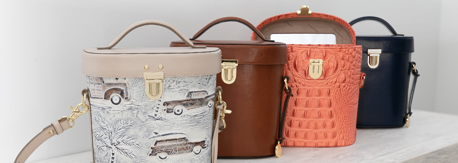 Assorted colors in the Pipp Crossbody